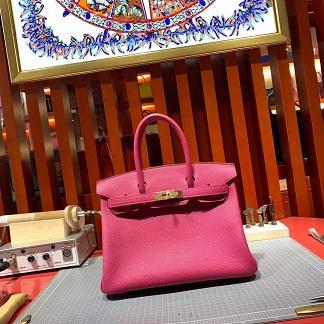 「爱马仕新款高仿包包」Hermès荔枝纹包包、手提包--米兰站